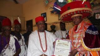 Willie Obiano na Eze ọhụrụ Aguleri