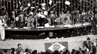Cerimônia de promulgação da Constituição em 1988