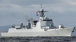 เรือพิฆาตชนิด 052D ของจีนบรรทุกขีปนาวุธไว้หลายประเภทรวมทั้งตอร์ปิโด