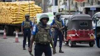 از روز یکشنبه هفته گذشته در سریلانکا وضعیت اضطراری برقرار است