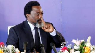 Itegekonshinga risaba ko Perezida Joseph Kabila - uri ku butegetsi kuva mu mwaka wa 2001 - atongera kwiyamamaza