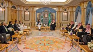 خان خلال زيارة السعودية (صورة أرشيفية)