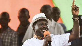 Kenya opposition leader Raila Odinga dey talk to im supporters for rally