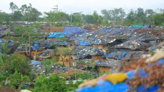 Gubuk-gubuk pengungsi di Kutupalong, Distrik Cox's Bazar, Bangladesh.