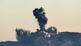 Турецкие самолеты обстреляли позиции курдов на сирийской границе в субботу