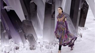 Paris Fashion Week, прет-а-порте весна-літо 2012.