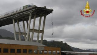 разрушенная секция моста