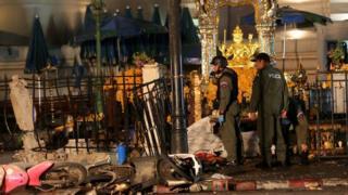 ภาพเหตุการณ์ในวันเกิดเหตุระเบิดที่ศาลพระพรหม