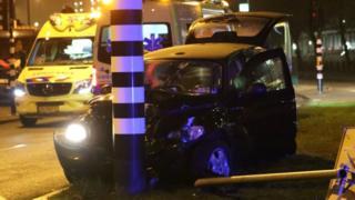 Taxi de Agüero estrellado contra un poste