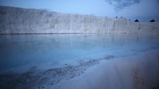 棉花堡白色岩石温泉