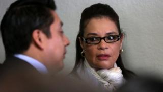 Former Guatemalan Vice President Roxana Baldetti (R) appears before court during a hearing in Villa Nueva, Guatemala, 10 March 2016.