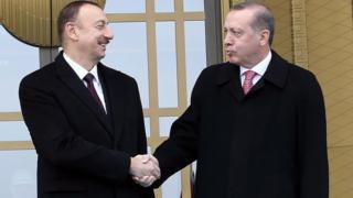 İlham Əliyev (solda) və Recep Tayyip Erdoğan (sağda)