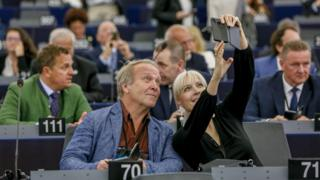 MEPs take a selfie in the Strasbourg chamber