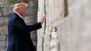 Donald Trump touches the Western Wall in Jerusalem, 22 May