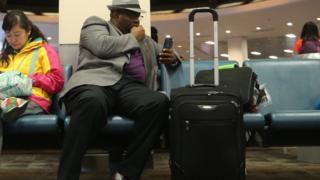 Pour certaines personnes prendre l'avion cause une énorme anxiété.