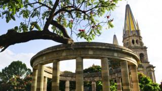 La Rotonda de los Jaliscienses Ilustres, un monumento de la ciudad de Guadalajara.