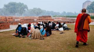 အိန္ဒိယကိုရွှေမှောင်ခိုတင်ပို့နေတဲ့ခရီးသွားကုမ္ပဏီတွေရှိနေ