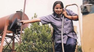 বাংলাদেশের প্রথম নারী ট্রেন চালক সালমা খাতুন