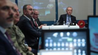 erdoğan komuta masasında