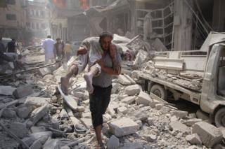 Weerarka Idlib waxaa ku dhaawacmay tobannaan qof