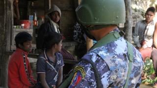 ၇ သိန်းကျော်တဲ့ ရိုဟင်ဂျာတွေကို ဘင်္ဂလားဒေ့ရှ်ကနေ ပြန်လက်ခံရေးအတွက် အစိုးရကလုပ်နေပါတယ် ၊