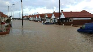 Rhyl flood defence scheme backed by Denbighshire council