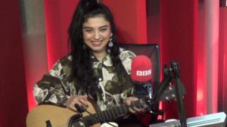 Mon Laferte en BBC Mundo.