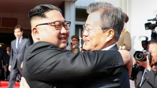 Kim Jong-un y Moon Jae-in.