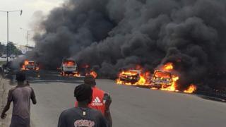 Cars dey burn