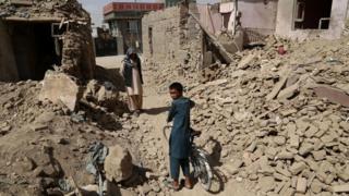 Афганский мальчик в Газни