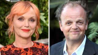Miranda Richardson và Toby Jones