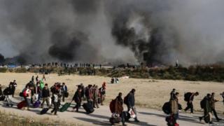 Jusqu'à présent, 4 404 migrants ont été emmenés dans des centres à travers le pays d'après la préfecture.