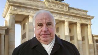 นายเฮลมุต โคห์ล อดีตนายกรัฐมนตรีเยอรมนี