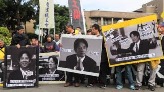 台灣勞工團體強烈不滿行政院修改《勞動基凖法》放寬加班時限、輪班間隔時間。
