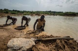 جویندگان الماس در سیرالئون
