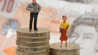 Man and women on pound coins