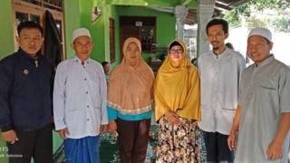 Pengurus Yayasan Darunnajat Maza mendatangi Robiatul untuk meminta maaf.