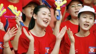 Animadoras norcoreanas en China.