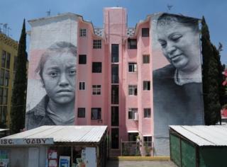 Mexico City'nin bir dış mahallesinde çizilen bu resim, kadına karşı şiddete yönelik bir tepkiydi.
