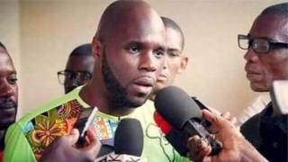Actuellement, il est en détention dans les locaux de la Police de Dieuppeul, un quartier de Dakar.