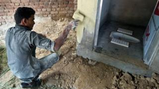 70 கோடி இந்தியர்களுக்கு சரியான கழிப்பறை இல்லை