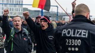 Антифашисты на марше