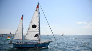 سفينة فرنسية تنقذ بحارا هنديا تقطعت به السبل في المحيط الهندي