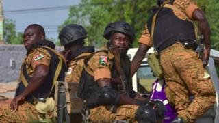 Abasirikare ba Burkina Faso bakunze kurerekana n'abagwanyi