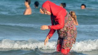 Мусульманка на пляже