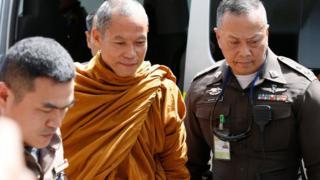 พระพุทธอิสระก่อนถูกจับสึกในวันนี้