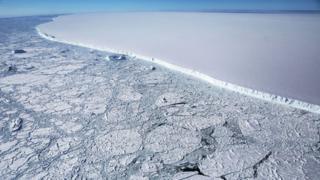 Borda do iceberg A68