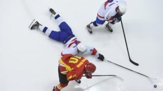 """在台北市小巨蛋體育館舉行的""""2017 IIHF U18世界冰球錦標賽"""""""