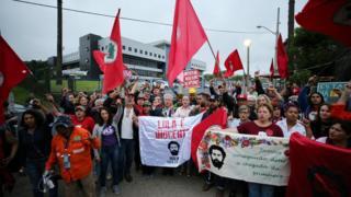 Sem planejamento prévio, PT quer mandar parlamentares a Curitiba, trazer Lula de jatinho e fazer festa no sindicato