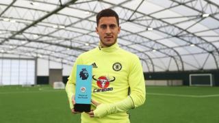 L'attaquant belge de Chelsea a été ainsi récompensé pour avoir inscrit trois buts et fait une passe décisive dans les matches de Championnat d'Angleterre joués le mois dernier.